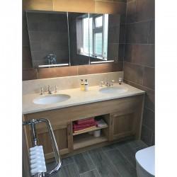 Bronze Tiled bathroom