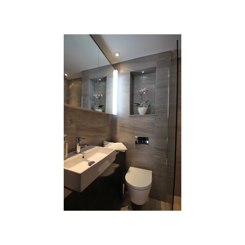Small En Suite Shower room - STONEWOOD